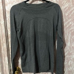 NWOT Lululemon Athletica Workout Long Sleeve Shirt